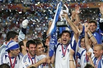 Cum a reușit Prometeul fotbalului să dea mingea de foc grecilor