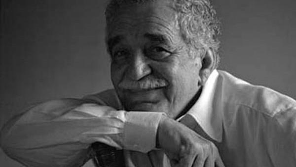 Márquez a creat universuri – tablouri desăvârşite ale realismului magic. Pentru el însă a venit natural. Se născuse şi trăise într-un spaţiu ale cărui dimensiuni îl făcuseră să conştientizeze că suprarealismul din scrierile sale venea din realitatea Americii Latine.