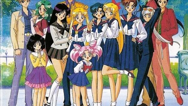 Sailor Moon a readus în lumina reflectoarelor fetele cu puteri magice, care, în viața de zi cu zi, se pot comporta normal și totuși sunt supereroine, luptând cu forțele răului, creând o balanță între supereroii de gen masculin și feminin.