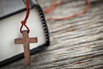 Ecuația religie credință cler